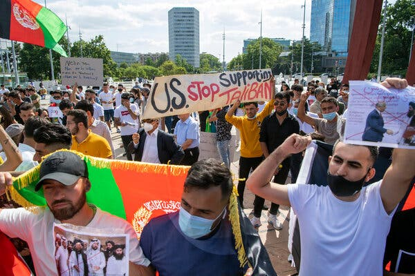 People protest the situation in Afghanistan in front of the European headquarters of the United Nations in Geneva last week.